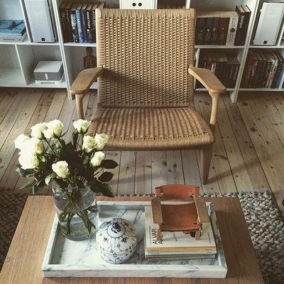#hansjwegner#wegner#carlhansenandson#børgemogensen#mogensen#hay#books#interior#inspiration#danishdesign#design#interiordesign#royalcopenhagen#rc#marbel#spanishchair#spanskestol#roses#oak#fredericiafurniture#sonos
