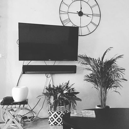 Home :) #sonos #love #happy #picoftheday #lg #clock #homesweethome