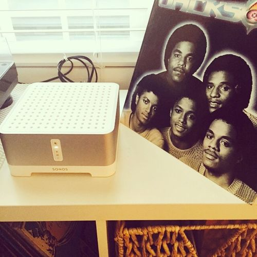 Just checking out the new #SONOS sound system with 5 of my friends.