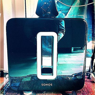 May the sound be with you, Sonos sub, a whoofer with thump!😁🙏🏽 #sonos #subwoofer #sound #boom #bass #wummer #hifi#darmstadt #indianborn #musiclovers #vinyljunkie #darthvader #lordofbass#like4like #tagsforlikes #tagstagramers #followforfollow