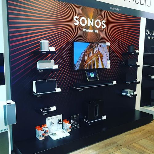 Demonstratieklaar, alle @sonos producten #sonos #hifi #sound #play1 #play3 #play5 #sub #playbar #tv #hifinest #audiolhile #ipad #display #store #streaming #streamingaudio #subwoofer #wirelesshifi