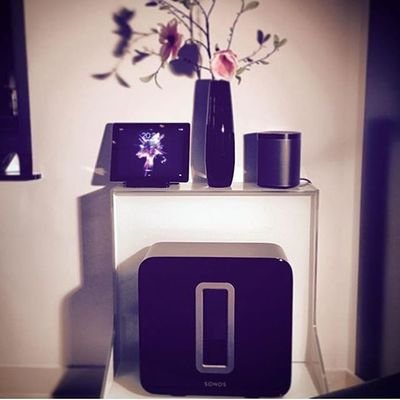 Absolutely in love with @sonos 🎼🎶🔊 There are definitely more pics to come 😎✌🏼️#sonos #music #home #sub #5.1