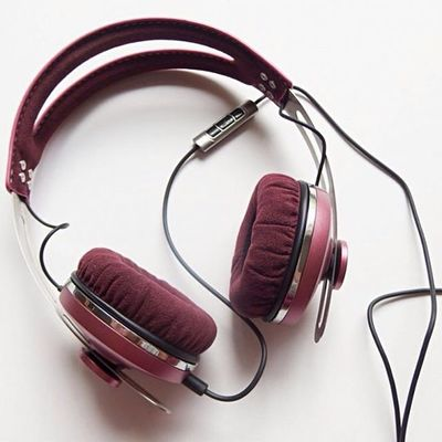 1857e15ce74 Photo taken by foneland_fones_de_ouvido on instagram with the caption of: Sennheiser  Momentum - Pink💁