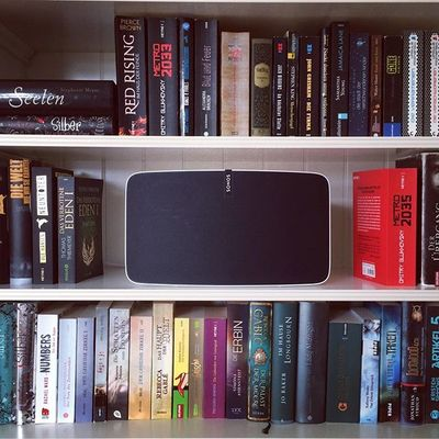 Finally my Sonos found its place #Sonos #play5 #trueplay #shelfie #bookshelf #musiclover #music #musiclife