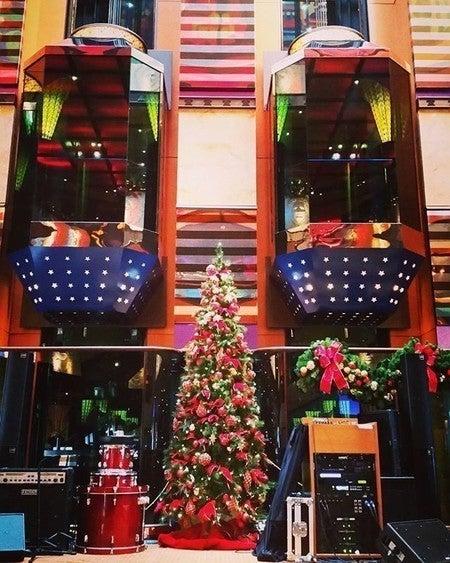 Christmas Carnival Cruise.Funtastic Christmas Cruises Celebrate The Holidays Carnival