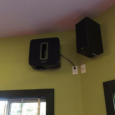 Did you know with a @sonos wireless sub you can mount them anywhere‼️ All you need is a #flexson mount and you're set‼️  #yvr #homeaudio #wireless #sonosathome #ifb #victoriabc #yyjmusic #saturday #yyjbeer #vancouverisland #uvic #modern #follow4follow #yyjarts #wallmount #install #custominstall #followforfollow #followtrain #sonossub
