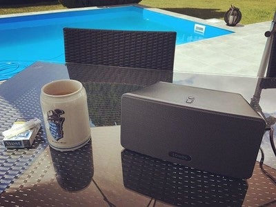 #enjoylife #enjoy #pool #thecasualmonks #westice #sonos #play3 #sunday #goodwheather #sun #noworktoday #chill #potd #beer #homesweethome