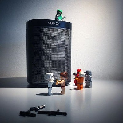 United by a love for the new Sonos Play1. That's how you bring peace to the galaxy. #sonos #sonosplay1 #lego #legostarwars #sound #speaker #peacetothegalaxy #whoneedstheforce #starwars #play1
