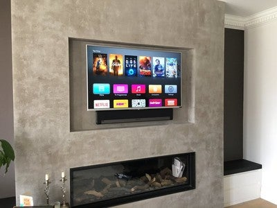 "Morning installation with #Sony 50"" #UHD #SONOS #playbar #Apple TV #virginmedia. All kit and cables concealed with remote operation https://t.co/YvdwZLaBVV"