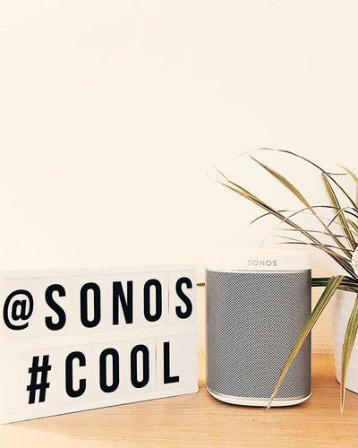 [Sonos / PLAY 1] Après une semaine d'attente elle est enfin arrivée. Vraiment content de cette acquisition, qui en appelle d'autres... @sonos #iphone7plus #vscocam #sonos #soundsystem #play1 #perfectsound #cool #music #listen