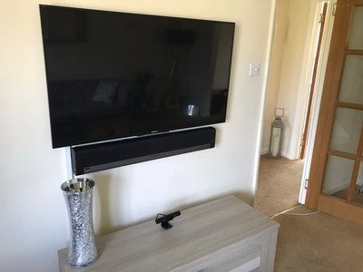 we #installed this #sony #tv and #sonos #playbar for one of our favourite clients!Labour only and no materials so the job was only £105. https://t.co/fgm050Y0PZ