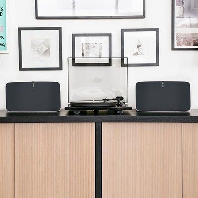 There is always a solution to listen to vinyl on a Sonos multiroom system #multiroomaudio #instatech #homedesign #designhome #decoroftheday #wirelessmusic #style #techfreak #productdesign #living #mystyle #soundsystem #smartliving #instadesign #samrthome #amazing #musiclovers #audiogear #homeinspo #interior #turntable #sonos #play5 #instahome