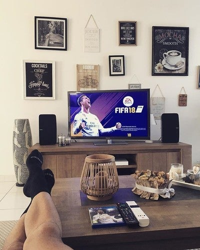 Un vendredi matin en repos #fifa18#playstation4#sonos#play5#home#enmodepacha