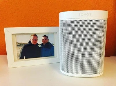 Der neuste in unserer #Sonos Familie - jetzt können wir in der ganzen Wohnung nahtlos Musik hören  #sonosone #alexa  #amazon #amazonalexa #speaker #sonosplay1 #lautsprecher #smartspeaker #music #audio #sound #newtoy