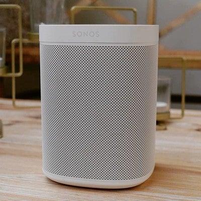 Le test concernant le nouveau Sonos One avec assistant vocal sera bientôt disponible sur Stuffi.fr  #sonos #sonosone #googleassistant #alexa #enceinteintelligente #sonosalamaison