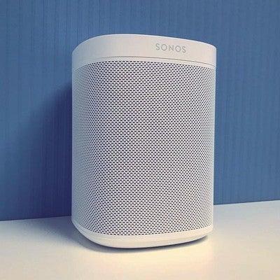 @Sonos #One in Pure White. Der Smart Speaker für Musikliebhaber Der neue #Sonos One mit Amazon Alexa direkt integriert. #homesforflexson #multiroom #flexson #smarthomesounds #musik #homesoundsystem #nowplaying #listenbetter #deezer #mysonos #knx #wakeupyoursilenthome #smartspeaker #wirelessaudio #spotify #playlistpotluck #musicmakesithome #wirelessspeaker #smartliving #silenthome #custominstaller #sonoshome #sonosathome #sonosyourhome #lifeatsonos #sonosone #ilovemusic