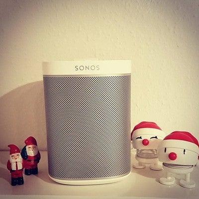 Julemusik  . . . #HiFiJul @hifiklubbendanmark #Sonos #Julen2017 #Julemusik #Musik #Music #Nisser #Jul #Santa #SantaClaus #Hoptimist #JuleHoptimist #GodLyd #GoodSound #BadSoundKillsGoodMusic #Sonos #Play1 #VilGerneVindePlay5 #Denmark #Sydfyn