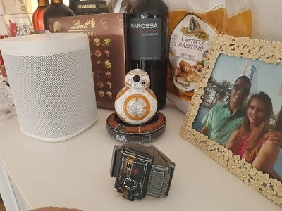 May be the force be with you... #starwars #BB-8 #betheforcewithyou #christmas #sonos #sonosone #cantucci #vinsanto #lindt #pralines #nerodavola #redwine