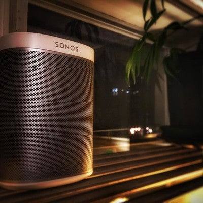And just like that, our new apartment feels like home.     #sonos #soundsamazing #music #wintersurvivalstrategies #cozyhome #watchoutneighbours  #soundtrackofmylife #homesoundsystem