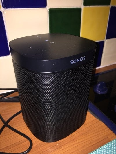Addition to the @Sonos system. @spearo91 thinks #Alexa fancies me though!  #SonosOne https://t.co/iqJYfnDrOp