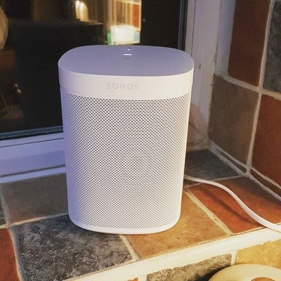 Another #sonos speaker. The #sonosplay1 is in the bedroom and this #sonosone is in the kitchen with #alexa. I'll be trying #googleassistant when it comes mind...
