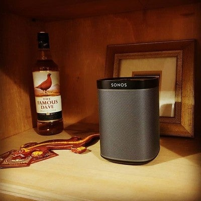 Sonos, making music sound so much better. I definitely want a second in stereo though. #sonos #play1 #famousgrouse #famousdave #gecko