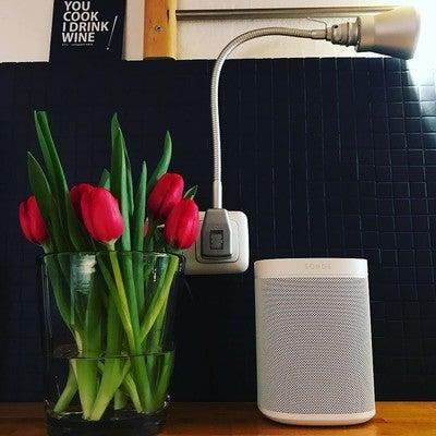 #interior123 #interiordesign #interior #living #tulpen #rot #love #sonos #sonosone #alexa #glühwürmchendelight #design#stileto#youcookidrinkwine #schönerwohnen #einrichtung #cairodesign #designaward #interiorinspiration #interiorlovers #minimalist