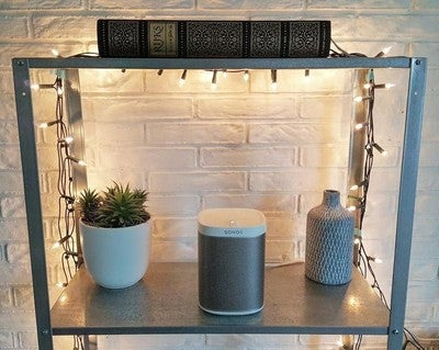 So in love with my very first Sonos Play:1 ! #sonos #white #lights #play1 #thatsound #music #interior #potd #sunday #interior123 #home #treatyourself #cosy #plant #decor #picoftheday #rijksmuseum #industrial #design