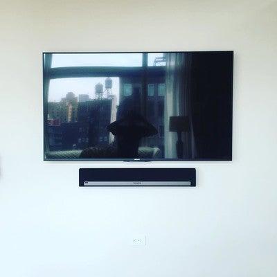 "Mounted 65"" Sony XBR850 and Sonos Playbar #sonos #playbar #sony #sonyexperience #sony4k #tvhangs #luxuryapartments #nyc #chelsea #control4 #cciav #audio #video"