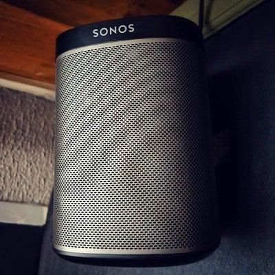 New sound! Sinds een paar weken heerlijk helder geluid door onze nieuwe speakers! Met dank aan @wifimedia_nl  #sonos #play1 #wifimedia #music #vleesenco #tunes #arnhem