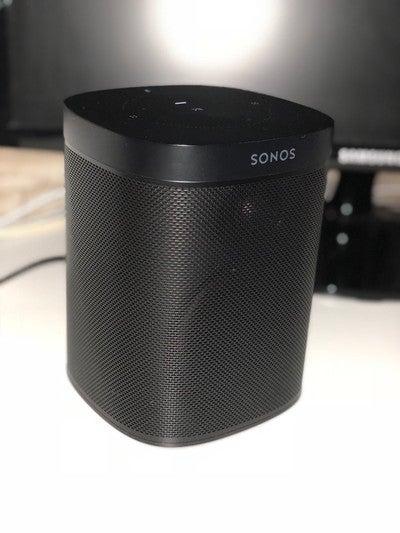 #Sonos #one  Tolles Gerät! Wer von euch hat auch so einen? https://t.co/TbvdN9GSM0