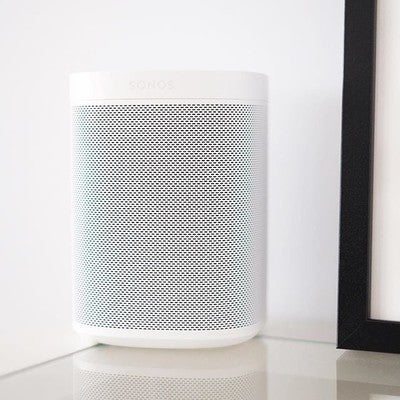 Recently I learned how stupid #siri actually is compared to other smart assistants. Since I've gotten to know #alexa, my impressions on AI assistance have vastly improved. Alexa, where's my coffee??! . . . #homespeaker #sonosone #smartspeaker  #sonos #music #spotifyforlife #spotify #motd #tuneoftheday #whiteplease #fujifilmsg #xh1 #hometech #smarthome #automation #potd #flashesofdelight #takespics
