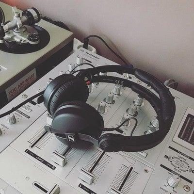 Sennheiser HD 25 - On Ear DJ Headphone - Noise Reduction
