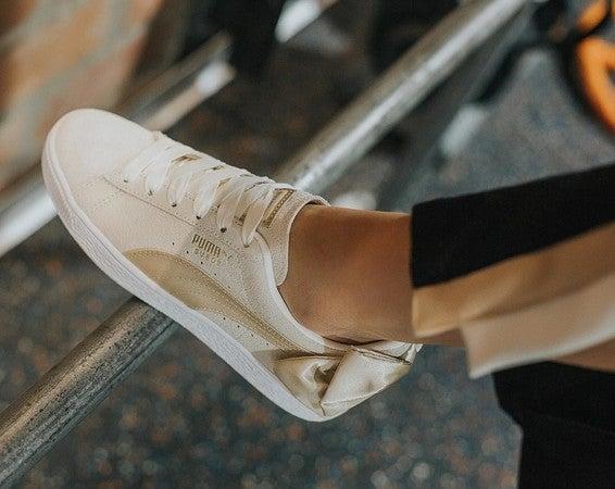 Suede Bow Varsity Damen Sneaker